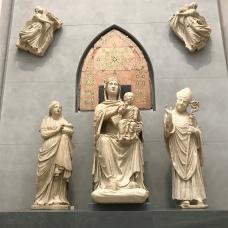 Arnolfo Di Cambio 'Madonna in majesty'